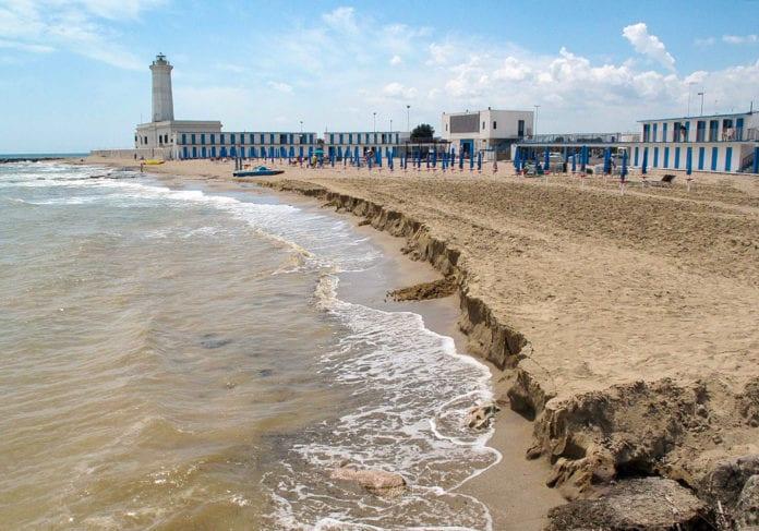 La spiaggia di San Cataldo, la foto è di Ivan Tortorella