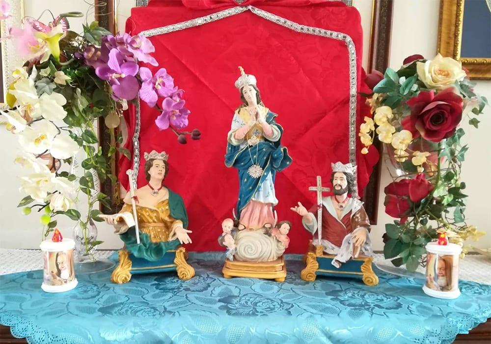 L'altarino di Adriana Mazzeo e Mario Preite a Diso