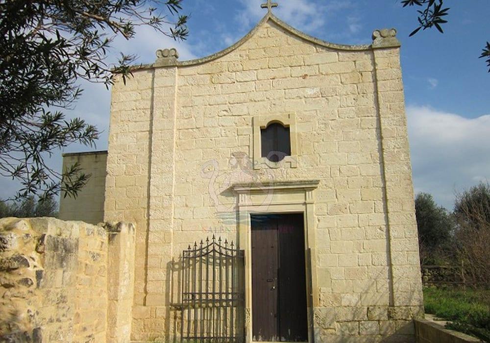 La chiesetta di San Vito a Roca Nuova